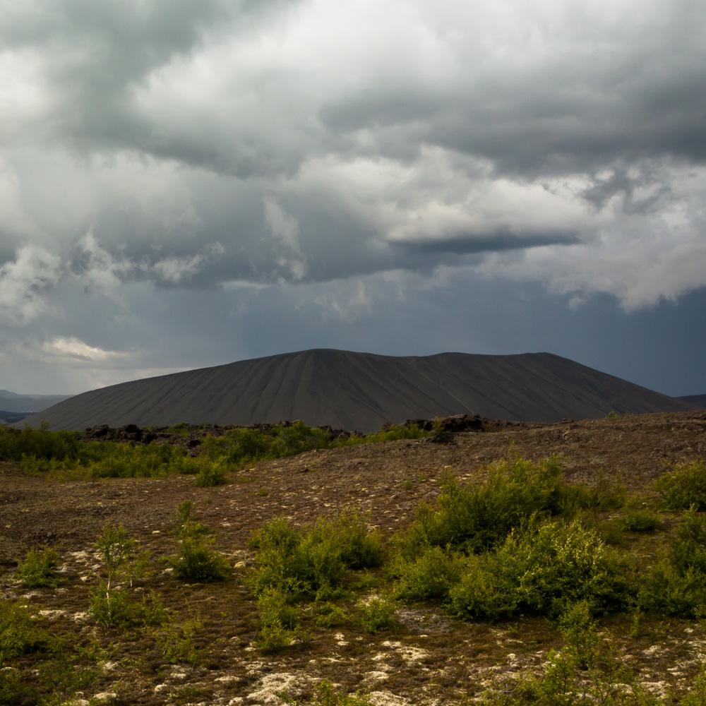 Audra virš Hverfjall kraterio
