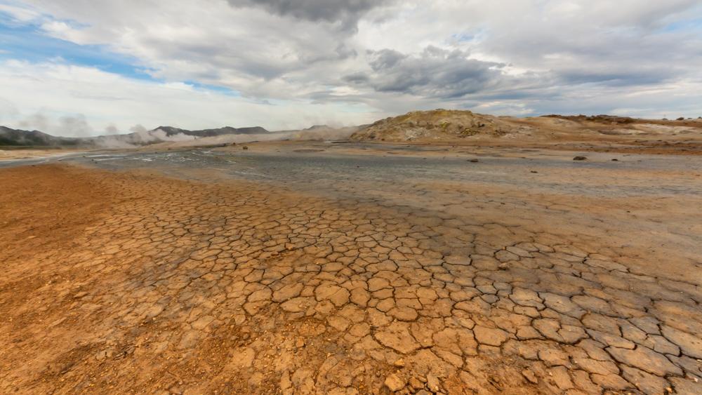 Hverarönd, nuo rūgščių suaižėjęs dirvožemis