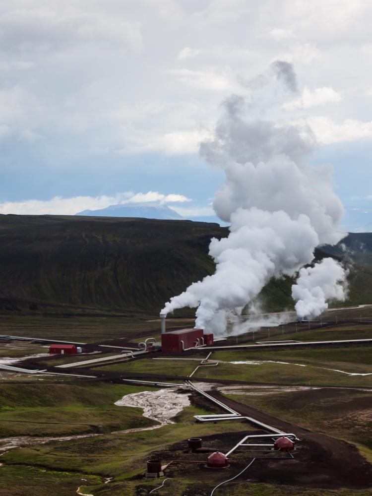 Ateiviškas Kraflos ugnikalnio elektrinės peizažas