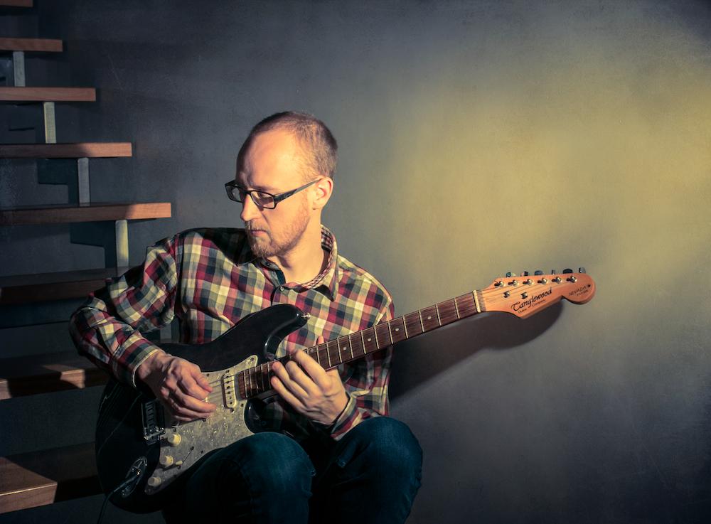 Jis ir jo gitara