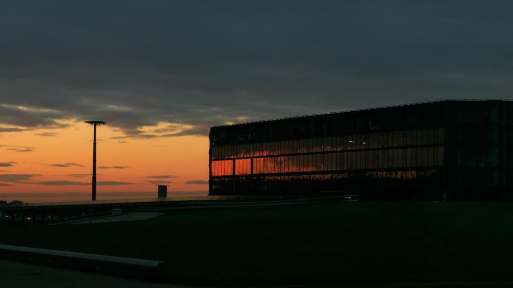 Saulėtekis stikle. Žalgirio arena, Kaunas.