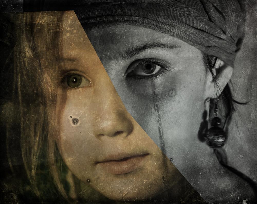 Dvigubas mamos ir dukros portretas. Įkvėpimo šaltinis Intentionally lost darbai.