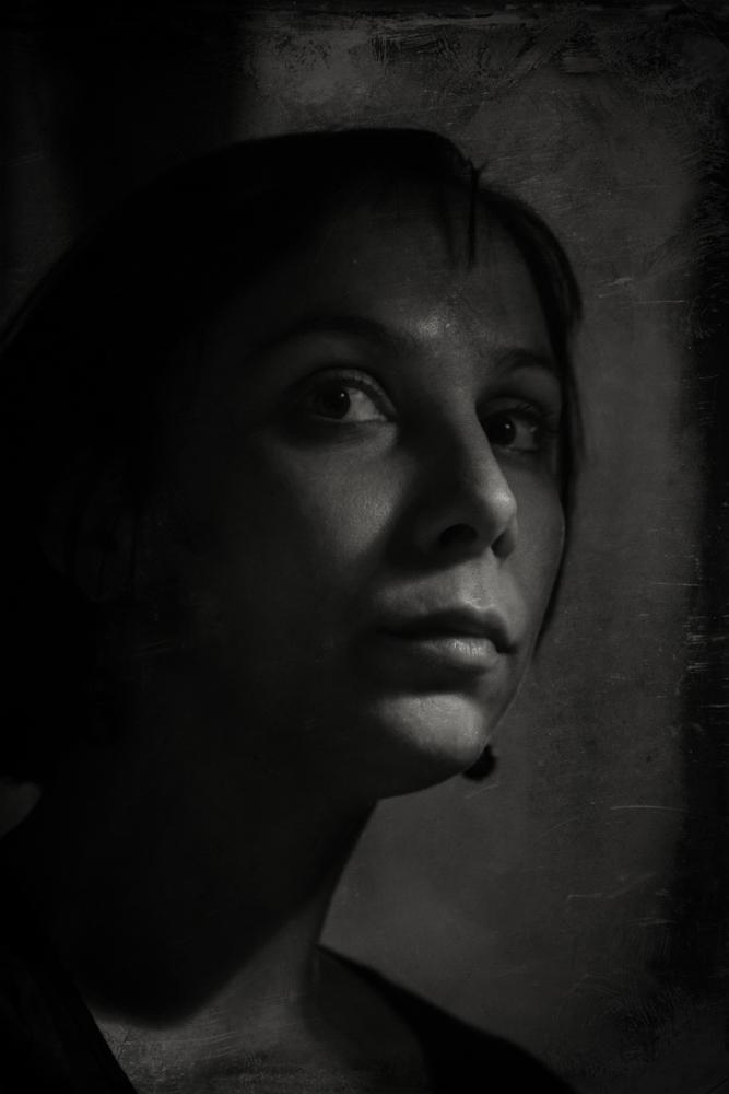 Autoportretas gruodžiui. Aš, stalinė lempa ir svajonės apie kolodijaus procesą.