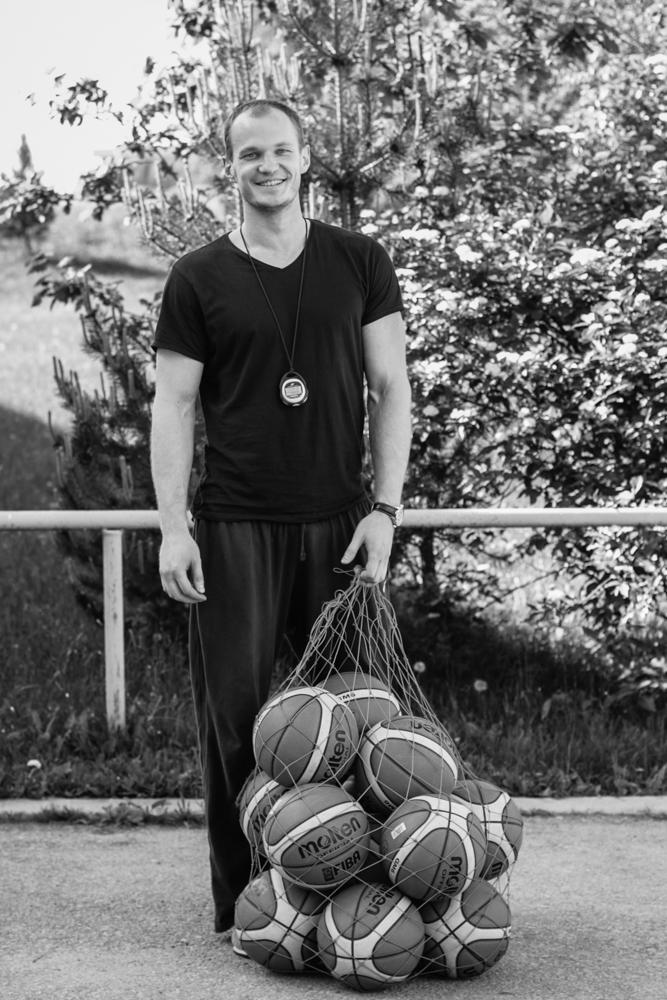Nr.21. Arvydas, kuris nešėsi maišą oranžinių kamuolių.