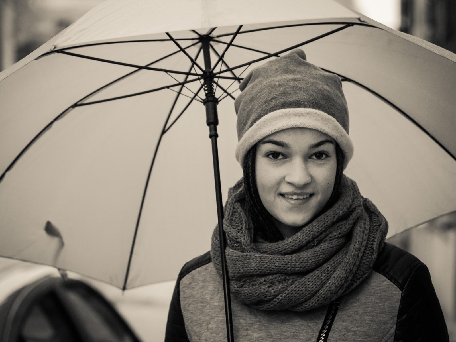 Nr.39. Lolita, kuri turėjo didelį oranžinį skėtį