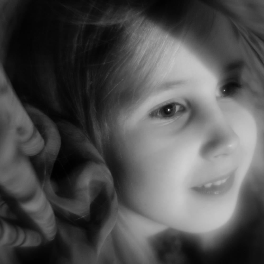 Portretas su šešėliu. Perdirbtas Helios 44-2